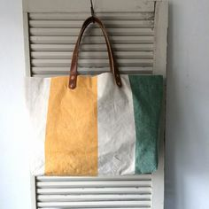 Old fabric with wide border tote bag.  IND_BNP_0240 W 47cm H 28cm D12cm Handle 40cm