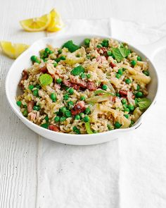 Everyone needs a great risotto recipe in their weeknight dinner repertoire. We've added smoked bacon, fennel and peas to this easy Italian dish.