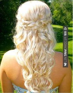 So cool! - Half Up Wedding Hair perfect for prom | CHECK OUT SOME GREAT PHOTOS OF TASTY Half Up Wedding Hair AT WEDDINGPINS.NET | #halfupweddinghair #naturalhair #weddinghairstyles #weddinghair #hair #stylesforlonghair #hairstyles #hair #boda #weddings #weddinginvitations #vows #tradition #nontraditional #events #forweddings #iloveweddings #romance #beauty #planners #fashion #weddingphotos #weddingpictures