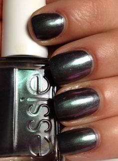 Essie for the twill of it - love this color. It varies between bronze, purple and teal, depending in the light.