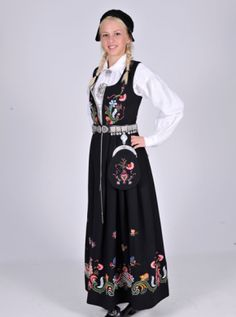 Ringerike (from Buskerud region) was created in has some of the brightest colors you will find in most bunad making it a very beautiful one. Mode Masculine, Norwegian Wedding, Folk Costume, Beautiful One, World Cultures, Traditional Outfits, Norway, Scandinavian, My Style