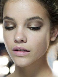 very natural,pale pink lips brown eyeshadow