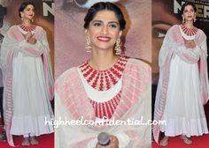 Sonam Kapoor In Anamika Khanna At Neerja Promotions-1