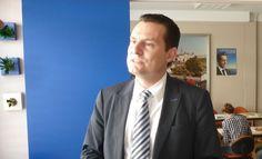 Eric Saubatte a été investi le 9 mai par la commission d'investiture nationale de l'UMP pour affronter François Bayrou sur les terres de la 2ème circonscription des Pyrénées-atlantiques.