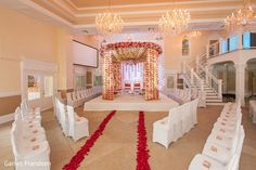 Mandap set up for a small wedding - interesting cozy layout but guests can still see!  | Indian wedding | fusion wedding | mandap ideas | indian wedding mandap