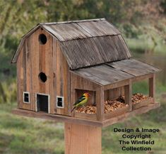 Bird House Plans 15340454969771515 - Rustic Barn Birdhouse Wood Plan – Source by Wooden Bird Houses, Bird Houses Painted, Bird Houses Diy, Building Bird Houses, Homemade Bird Houses, Houses Houses, Bird House Plans, Bird House Kits, Rustic Barn