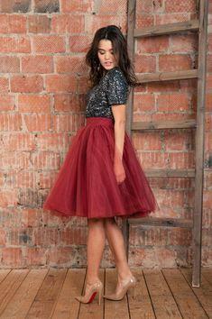 Jupon en tulle : Marsala Tulle Skirt. Red Tulle Skirt. Burgundy Tulle Skirt. Shine bright like a diamond!:)