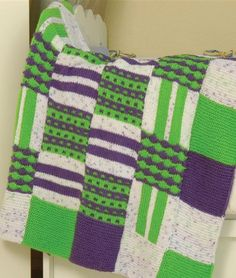 Baby Squares Blanket - Free Knitted Pattern - (universalyarn)