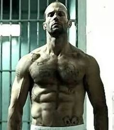 Jason Statham workout for Transporter Death Race, The Expendables is well known among the fitness freaks. Checkout Jason Statham workout routine of 7 Days. Jason Statham Body, Death Race Jason Statham, Jason Stratham, Last Action Hero, Actrices Sexy, Guy Ritchie, The Expendables, Hommes Sexy, Raining Men