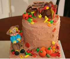 Harvest cake with cool cake decor with Thanksgiving theme