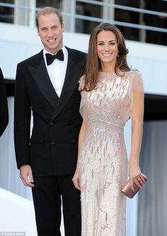 I just love this dress. Jenny Packham as worn by the Duchess of Cambridge (Kate Middleton) at the Absolute Return for Kids Gala Dinner. george,Kate and Wills and George,Kate Middleton,otro mundo el de la Realeza,Prince W Looks Kate Middleton, Estilo Kate Middleton, Princesa Kate Middleton, Herzogin Von Cambridge, Prince William And Catherine, William Kate, Jenny Packham, Prince And Princess, Prince Harry