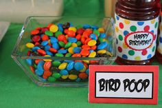 OH how funny. Mad Bird Table Food Cards- haha bird poop m's for an Angry Birds party Bird Theme Parties, Bird Birthday Parties, Bird Party, Birthday Fun, Birthday Ideas, Birthday Board, Birthday Cake, Happy Birthday Birds, Dinner Themes