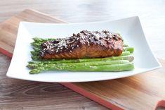 Aziatisch gemarineerde zalm uit de oven; een visgerecht met een knipoog naar Azië. Ziet er indrukwekkend uit, maar is heel makkelijk. Iedereen kan dit!
