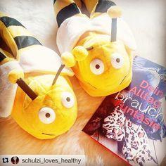 #ootd #kölnbloggt #shoelove #shoefie #shoesoftheday #bee #bvb #bienen #hummel #slipperselfie