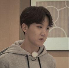 Seokjin, Namjoon, All Bts Members, Bts Face, Gwangju, Kpop, Bts J Hope, Listening To Music, Jung Hoseok
