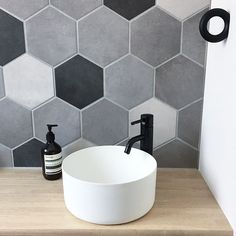 サンワカンパニーのある暮らし|サンワカンパニー Washroom, Decoration, Diy Furniture, Toilet, Diy And Crafts, Sink, New Homes, Interior, House