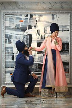 Sikh Wedding – A cluster of beautiful & heartwarming moments Indische Hochzeitsfotografie Ludhiana Punjabi Hochzeitsbilder Jalandhar Anand Karaj Sikh Hochzeitsportraits Punjab 77 Sikh Wedding Dress, Punjabi Wedding Couple, Couple Wedding Dress, Punjabi Couple, Pre Wedding Photoshoot, Wedding Couples, Cute Couples, Wedding Shoot, Boho Wedding