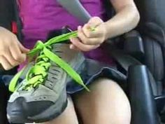How to Teach Children to Tie Shoes.We will master this before school starts! Teaching Kids, Kids Learning, Self Help Skills, Tie Shoelaces, Tie Shoes, Educational Videos, Child Life, Lessons For Kids, Special Education