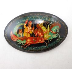 Russian Lacquer Brooches Pin Horses Sleigh Signed Miniature Mstera Mctepa 755 #MsteraMctepa