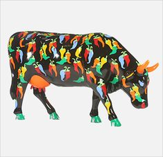 Cow parade Animal Sculptures, Lion Sculpture, Eat More Chicken, Cow Creamer, Cow Parade, Musk Ox, Elephant Parade, Cute Cows, Cow Art