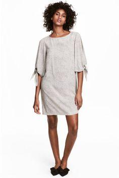 Krótka sukienka - Naturalna biel/Grochy - ONA | H&M PL 1