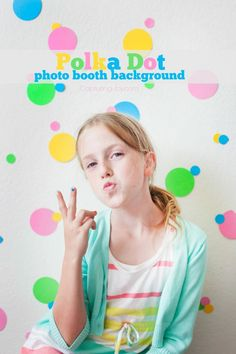 Learn how to make this Polka Dot photo booth background - perfect for your next tween party KristenDuke.com