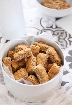 Recipe for quick and easy yeast-free All-Bran rusks. It uses easily accessible pantry ingredients and makes the most delicious breakfast treats! Healthy Family Meals, Healthy Snacks, Rusk Recipe, All Bran, Delicious Desserts, Yummy Food, Sweet And Salty, Recipe Of The Day, Tray Bakes