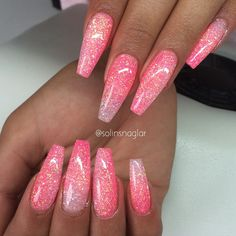 Cuffin Nails, Wow Nails, Glam Nails, Manicures, Glittery Acrylic Nails, Gold Glitter Nails, Gorgeous Nails, Pretty Nails, Judy Nails
