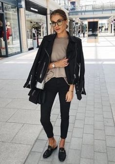 Hope you all had a fab bank holiday Wearing my favourite Cathy Luse watch cluse ad Women Fashion Edgy Fall Outfits, Trendy Outfits, Winter Outfits, Fashion Outfits, Womens Fashion, Fashion 2017, Fashion Ideas, Vetement Fashion, Looks Black