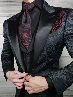 Black And Red Suit, Black Tie, Mode Outfits, Fashion Outfits, Dress Suits For Men, Suit For Men, Kleidung Design, Gothic Mode, Designer Suits For Men