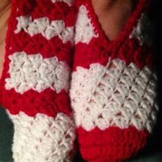 Red & White Crochet slippers with link to FREE Pattern