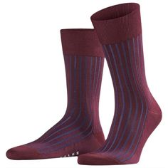 The Falke Shadow Midcalf Socks - Barolo Red/Navy give off an amazing effect when wearing as the second colour remains in the shadow of the main colour. Being stylish for all gentleman, these have been manufactured with pressure free, hand-linked toe seam and have reinforced stress zones for optimum durability. Hiking Socks, Running Socks, Falke Socks, Navy Socks, Navy Man, Knee High Socks, Knitting Socks, Calves, Gentleman