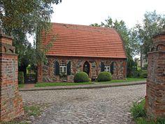 Fischerhaus in Wolfshagen, Uckermark, Brandenburg (Neogotik).