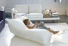 grand-pouf-canapé-lit-pour-le-salon