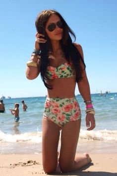 I want a bathing suit like this. Old fashion