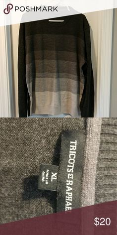 Men's ombre sweater Medium weight ombre sweater. Only worn a few times. In excellent shape! Purchased at Macy's Macy's Sweaters Crewneck
