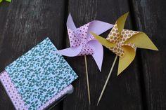 Větrníky z origami papíru. Skládačky, větrníky, barevné papíry. Výzdoba na oslavy.
