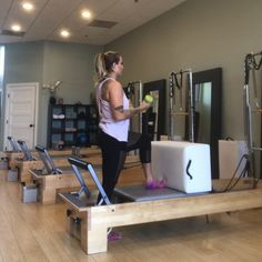 ✨ Sometimes you just have to kick it out ✨ Use one kicking leg and take it all the way around Once you get to the bar, switch legs and… Pilates Reformer Exercises, Pilates Barre, Pilates Workout, Workouts, Squat Variations, Pilates Instructor, Grilling Gifts, Simple Bags, All The Way