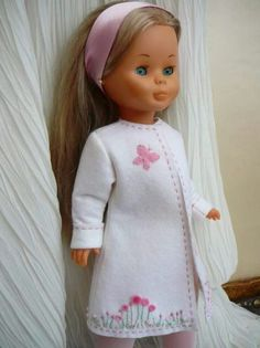 Mejores 333 imágenes de patrones Ag Doll Clothes, Crochet Doll Clothes, Fun Diy Crafts, Sewing Crafts, Nancy Doll, American Girl Crafts, Sasha Doll, Wellie Wishers, Flower Pillow
