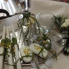 Olive Wedding, Baptism Favors, Church Flowers, Wedding Table Settings, Craft Work, Dream Wedding, Table Decorations, Weddings, Crafts