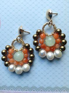 Zarcillos abanico con mini ágata y perlas