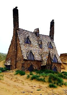 When I was little, I used to want to live in Shell Cottage, a fictional setting in Harry Potter. It's located on the outskirts of Tinsworth, Cornwall in England.
