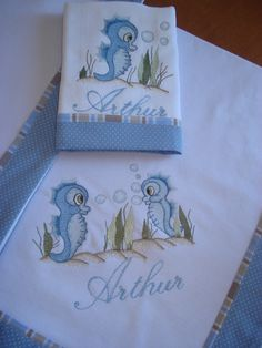 Bordados Embroidery Applique, Machine Embroidery, Embroidery Designs, Fabric Painting, Bed Spreads, Baby Quilts, Appliques, Baby Dress, Baby Kids