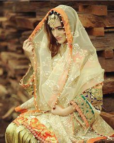 Afshi Victorian, Sari, Dresses, Fashion, Vestidos, Moda, Saree, Gowns, Fasion