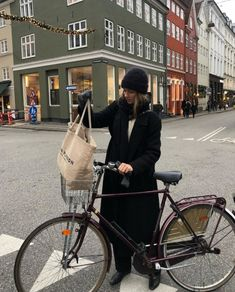not my pictures. Winter Outfits, Cool Outfits, Fashion Outfits, Only Fashion, Womens Fashion, Simple Style, My Style, French Lifestyle, Winter Mode