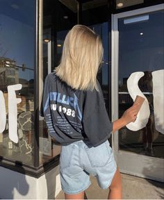 Source by paulineleoniela outfits 2020 street style Mode Outfits, Fashion Outfits, Skater Outfits, School Outfits, Fashion Boots, Fashion Tips, Fashion Articles, Modest Fashion, Fashion Clothes