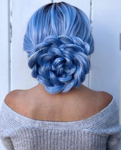 Uploaded by Find images and videos about hair, beauty and blue on We Heart It - the app to get lost in what you love. Periwinkle Hair, Blue Hair, Hair Dye Colors, Cool Hair Color, Pretty Hairstyles, Braided Hairstyles, Natural Hair Styles, Long Hair Styles, Hair Dos