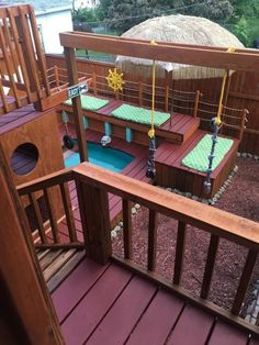 Man with 4 dogs completely transforms his backyard into the ultimate pet playground (5+ photos)