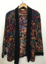 Beautiful Vintage Floral Blazer!