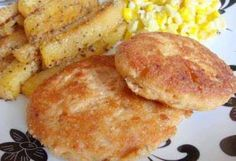 Salmon patties are quick and easy. I got this recipe from my son's babysitter many years ago. My son is now 20 and we still eat these at least a few times a month. Canned Salmon Recipes, Fish Recipes, Meat Recipes, Seafood Recipes, Cooking Recipes, Frugal Recipes, Cooking Fish, Fried Salmon Patties, Salmon Patties Recipe